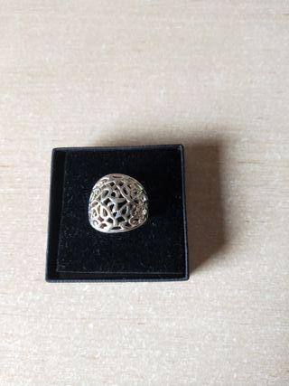 anillo plateado Zara grande nuevo
