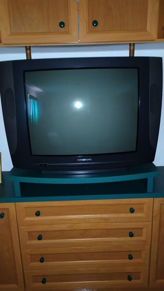 TV GRUNDIG + TDT