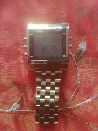 reloj digital con mando