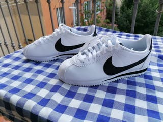 Zapatillas - Mujer Nike Classic Cortez Modelo: 807