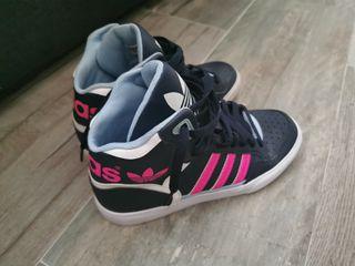 zapatillas Adidas un sólo uso