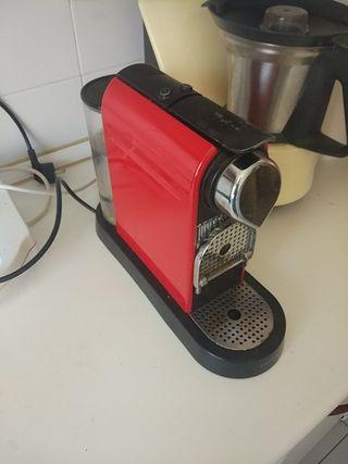 Cafetera Krups Nespresso Citiz Rojo