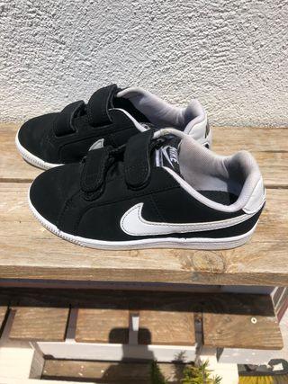 Zapatillas Nike talla 28