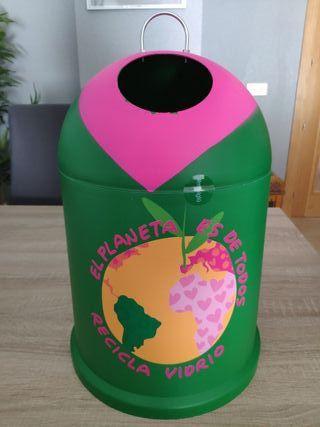 Contenedor recicla vidrio Agatha Ruiz de la Prada