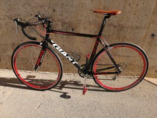 Bicicleta de carretera Giant SCR1