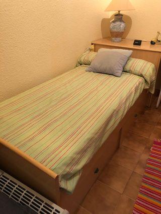 Escritorio y cama