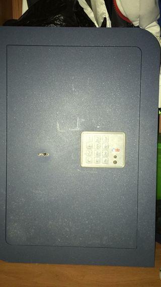 Caja fuerte BTV Zafiro ZA E-56