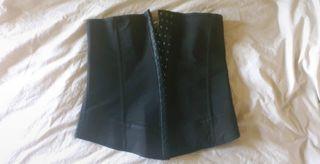 corset minceur en latex 3 crans