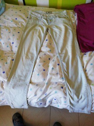 pantalón vaquero claro
