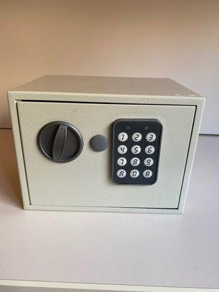 Mini caja fuerte