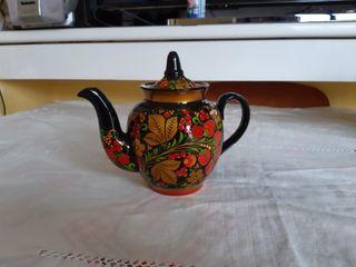 Tetera marroquí de porcelana, en perfecto estado.