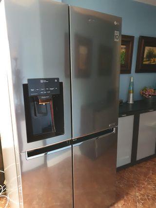 frigorifico combi con difusor de hielo y agua solo