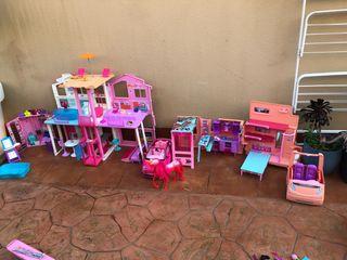Casa , coche, caravana , armario barbie.