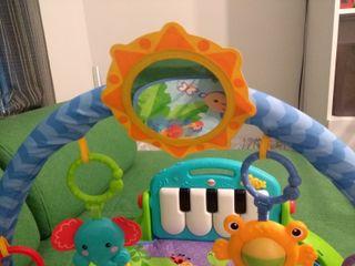 Manta actividades Fisher-Price piano bebe