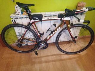 bicicleta Fuji carretera triatlon