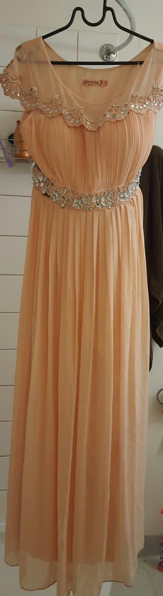 robe / dress