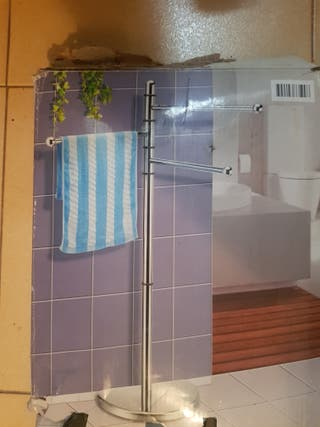 toallero de pie