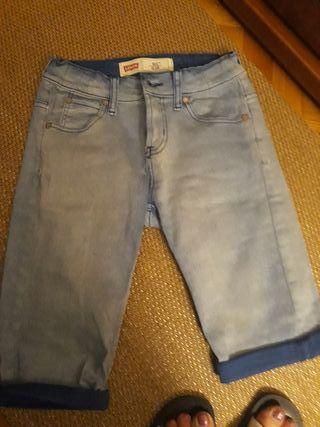 Pantalon corto Levis Slim talla 10