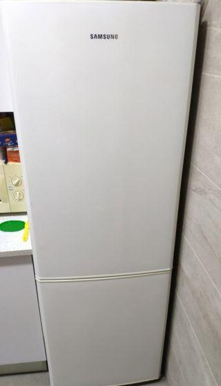 Frigorifico Samsung A+ No frost.Está en Barcelona