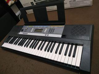 Piano Yamaha Eléctrico