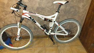 bicicleta 26' talla L-XL KTM DOBLE