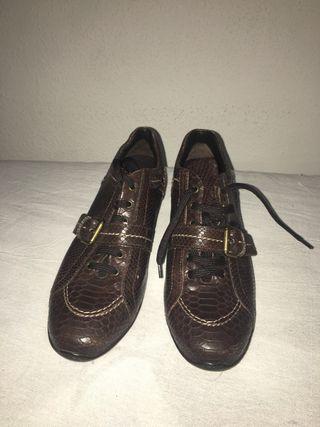 Zapatos talla 37 y 1/2