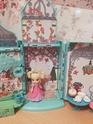 casita de muñecas transportable