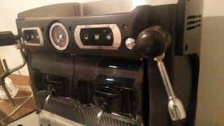 Máquina de café profesional marca Assomatic