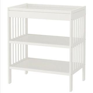 Cambiador para bebé. Ikea