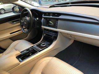 Jaguar XF 3.0 TDV6 300cv Prestige Muy equipado