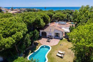 Villa en venta en Calahonda en Mijas