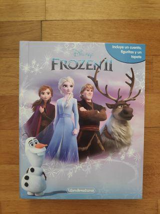 Frozen 2: libroaventuras con figuras y tapete