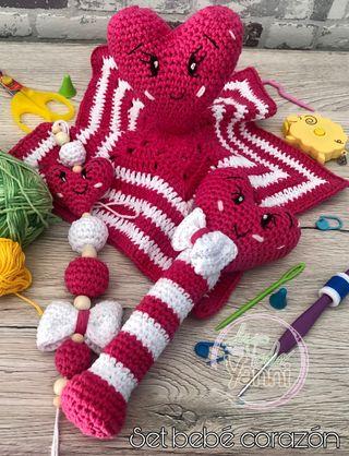 Set completo para bebé a crochet