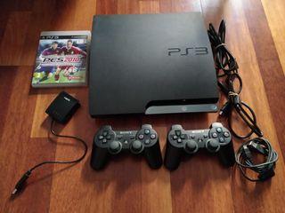 Consola Playstation 3 + mandos + juego