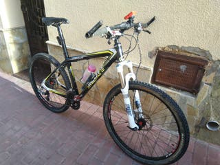 Bicicleta BTT MTB carbono Scott Scale 15