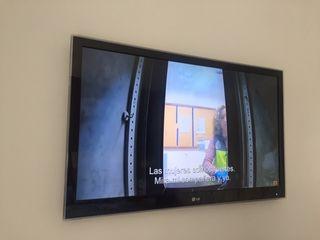 """TV 42"""" marca LG con 3D , juego de 5 gafas 3d"""