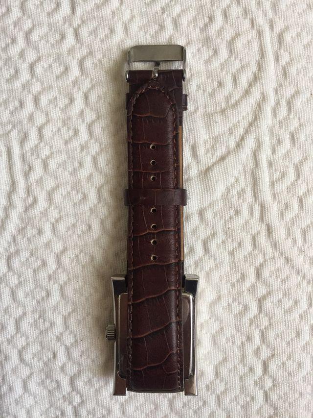 Elegante reloj de caballero PERTEGAZ