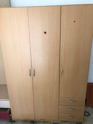 Armario color madera