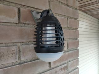 Lámpara antimosquitos exterior