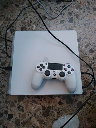 PS4 + 2 juegos