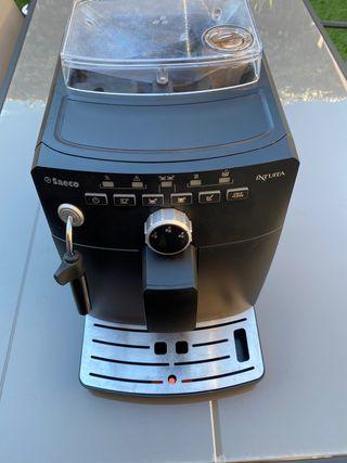 Cafetera automatica saeco intuita.