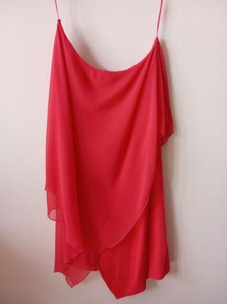 Vestido asimétrico coral de Zara TRF