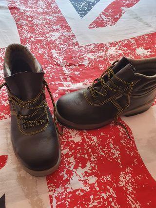 calzado de seguridad ( MENDI )
