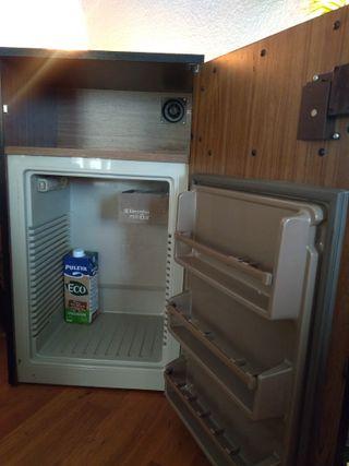 nevera/ frigorífico /silencioso minibar terraza