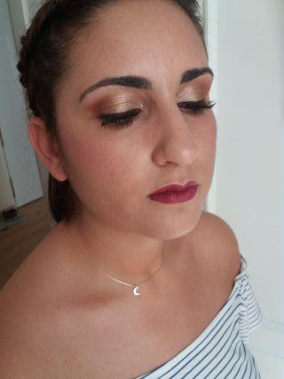 Peluquera y maquilladora a domicilio