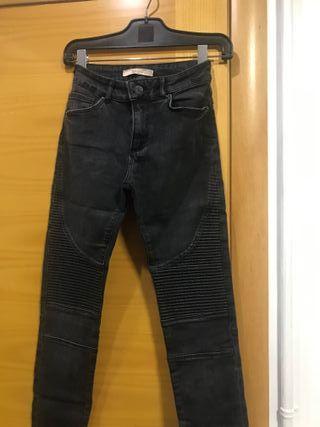 Pantalón tejano negro