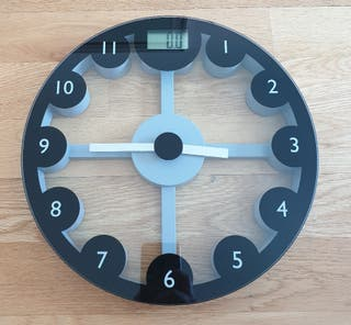Ikea bascula digital y reloj de pared