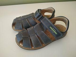 Sandalias de niño Núm 29 nuevas