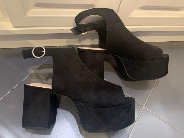 Botines negros PULL&BEAR talla 38