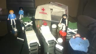 Antiguo kit Playmobil.